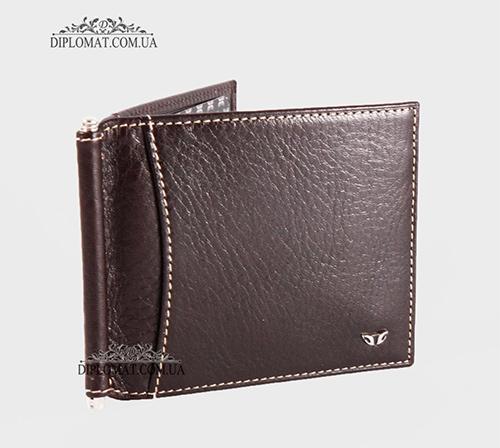 aded38fb8388 Выполненный из натуральной кожи, он подчеркивает статус и стиль своего  владельца. Мужские кожаные кошельки портмоне имеют основные отличие между  собой.